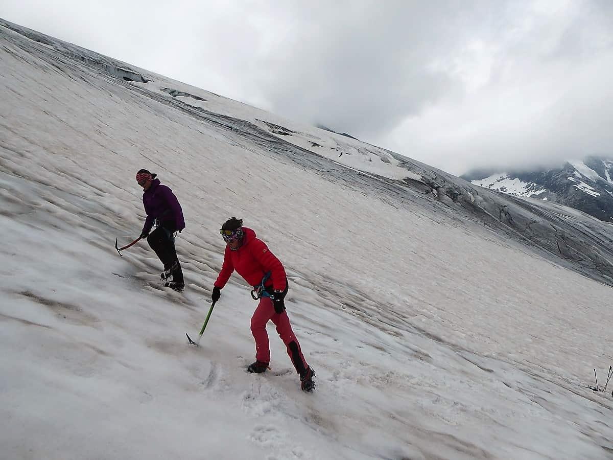 Hochtouren-Kurs mit 4000er Besteigung Stufen schlagen