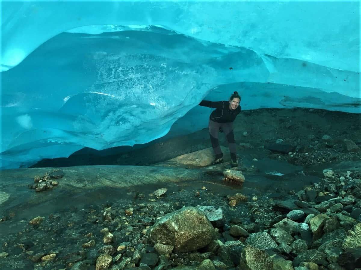 Eisgrotte am Aletschgletscher