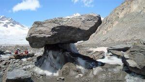 Aletschgletscher-Trekking Gletschertisch