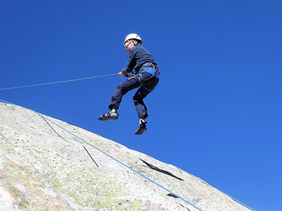 Projekt-Woche Alpenlernen Bächlitalhütte Abseilen 1