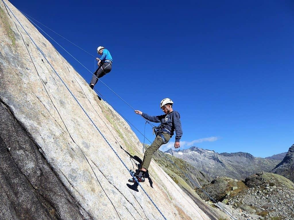 Projekt-Woche Alpenlernen Bächlitalhütte Abseilen 2