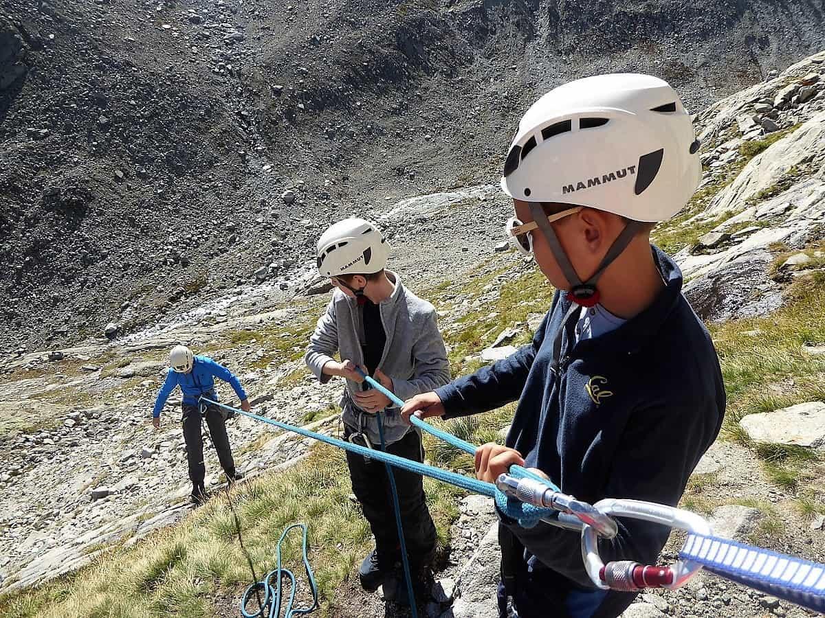 Projekt-Woche Alpenlernen Bächlitalhütte Abseilen