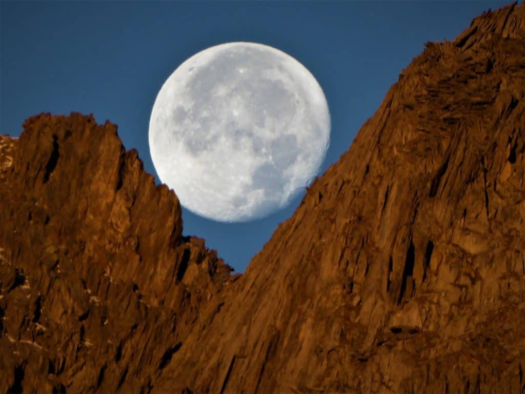 Projekt-Woche Alpenlernen Bächlitalhütte Mond